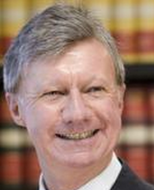 Paul de Jersey completed his LLB studies on a part-time basis and worked as Associate to the Honourable Mr Justice Charles G Wanstall, Supreme Court of Queensland (1970) and was Admitted as a Barrister of the Supreme Court of Queensland in 1971 on completion of his studies.  That is when his criminal career began.